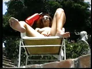 ein Sommertag. (Klassische Lesbenszene)