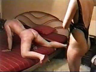 hartes Auspeitschen auf mein Sklave Frau