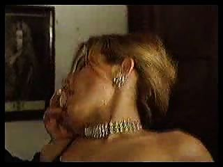 Gigis - 3some blonde Mädchen wird von zwei Männern gefickt