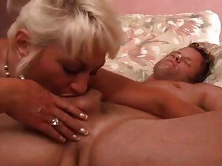 sexy vollbusige Omas