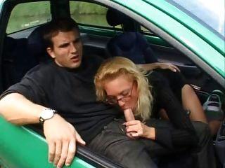 französisch reifen fickt anal in einem twingo