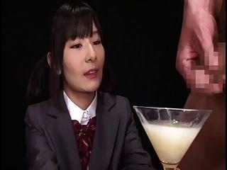 Ryoko Hirosaki gokkun schlucken. zensiert