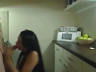 Ficken diese geile Betrug Frau auf dem Küchen