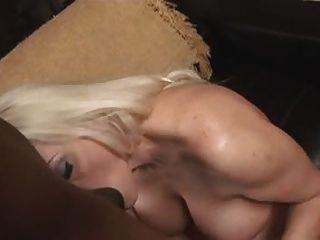 Blonde MILF wird von bbc.eln creampied