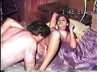 alte VHS-Band der alten fetten Kerl seine schöne junge Frau ficken!
