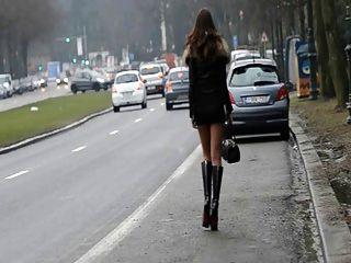 Hooker für immer !! meinen Arsch in der Öffentlichkeit auf der Straße bewegen