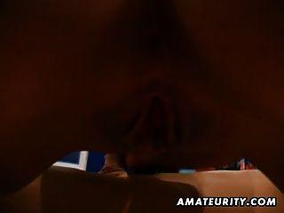 Hot Amateur Teen saugt und fickt mit mitten ins Gesicht