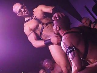 Homosexuell nassen und rauen Live-Sex-Show
