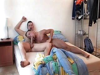 geil Homosexuell Papa aufwacht und fickt süßen Arsch Junge Spielzeug