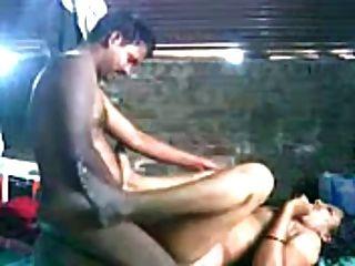niedlich nordindische aunty genossen mit ihrem Partner