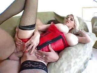 blonde MILF Schlampe wird gefickt