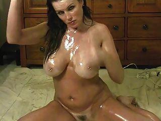 sexy Küken Ölen ihren Körper ein großer Dildo die Fahrten
