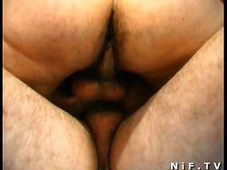 Französisch Rotschopf bekommt doppelt anal gesteckt und durchgevögelt