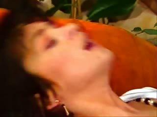 haarige Vintage Pussy gefickt und abspritzen auf ihrem Körper