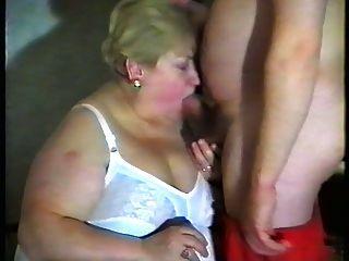 Oma liebt cum