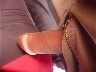 Dick Berührung an öffentlichen Bus
