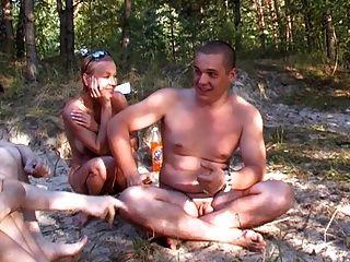 glücklich russische Nudisten