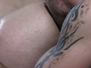sengend heiße Szene mit zwei unglaublich sexy Jungs