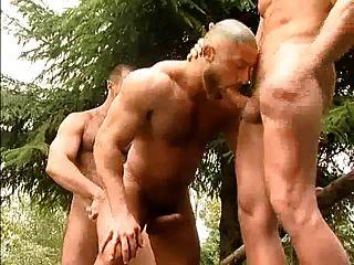 fetten Schwanz ted colunga in einem heißen 3some