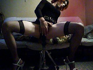 miranda nimmt es in ihrem Tranny ass.