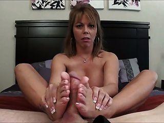 verschwitzt foot und Sperma in ihrem Schuh.