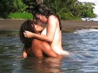 Nikki Fritz hardcore bj & Sex auf Costa Rica Strand