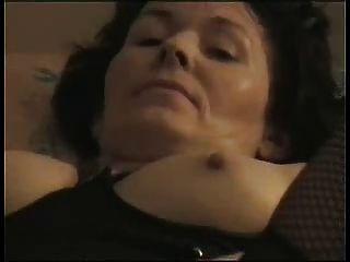 Amateur reifen masturbiert zum Orgasmus!