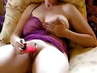 Amateur reifen großen Titten Vibrator Masturbation