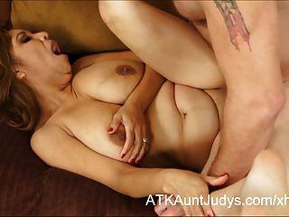 kurvige latina Milf marisa hat mit cum ihre Titten bedeckt