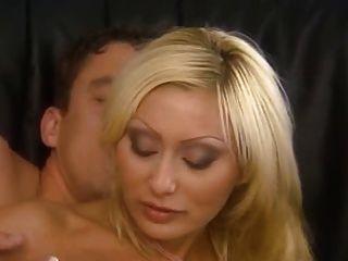 italian blond Mama gefickt schön in den Arsch