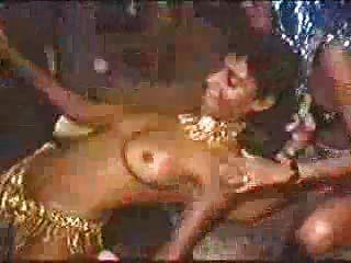 carnaval in rio - tanzen topless babes