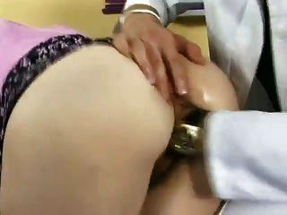 Super sexy bitch - gefickt & von Arzt GEFISTET