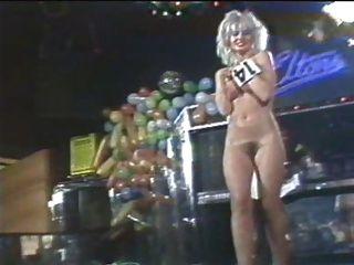 Süßigkeiten davis Nackt 82 Nackt Bühne Wettbewerb verpassen