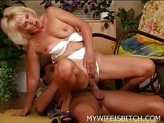 blonde reifen gefickt