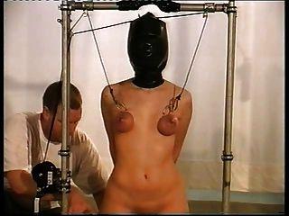 Mösenfolter Frau Foltern