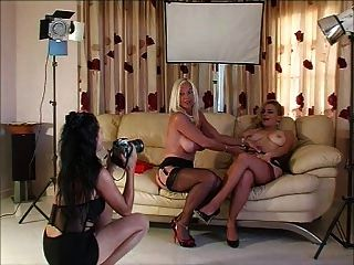 Foto mit 3 Ladys in Heels und Strümpfe Schießen