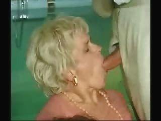 Oma und Jungen Sex