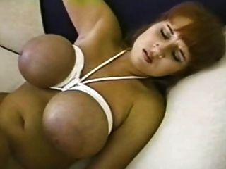 Brandy Dean - gebunden Brüste hämmern