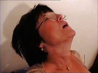 französisch alte Mutter - cum auf Gläsern