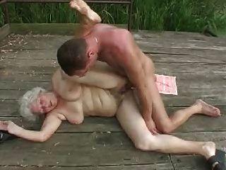 Oma mit jungen guy.by pornapocalypse