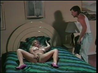 blonde bbw bekommt Schwanz in ihre sehr behaarte Muschi