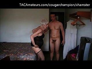 der Champion fickt 90 Jahre alte Oma marge ohne Sattel