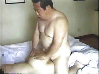 japanisch älterer Mann fickt seine Sekretärin