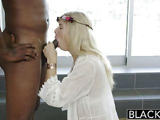 geschwärzter blonde addison Belgien spritzt auf riesigen schwarzen Schwanz!