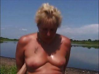 2 böse Deutsch Paare auf dem Flussufer gehen hardcore