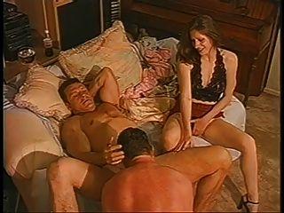 Paare lädt Mann mehr, ihn zu genießen