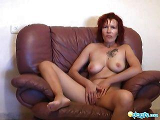 Rothaarige Milf zharona sex on cam