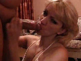 hot blonde saugen großen Schwanz