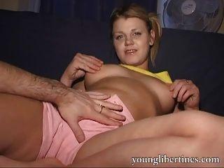 dies ist ihre erste Porno-Film