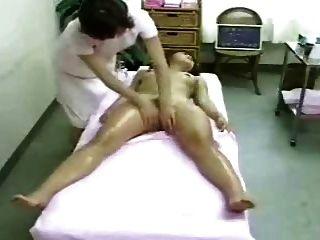 Massage & Orgasmus (versteckte Nocken)